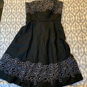 Ann Taylor Dress w/embroidered flowers fit & flare